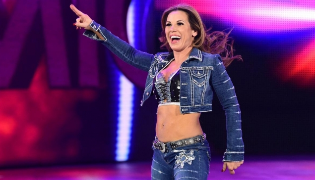 Mickie James sort le clip de ''I Don't Give A''