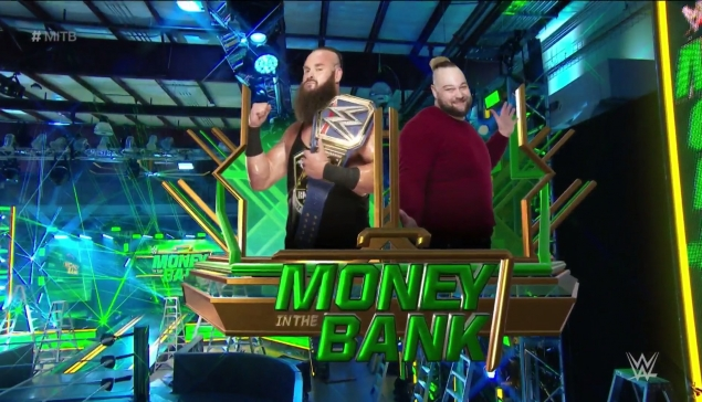 Money in the Bank : La famille Wyatt lave son linge sale