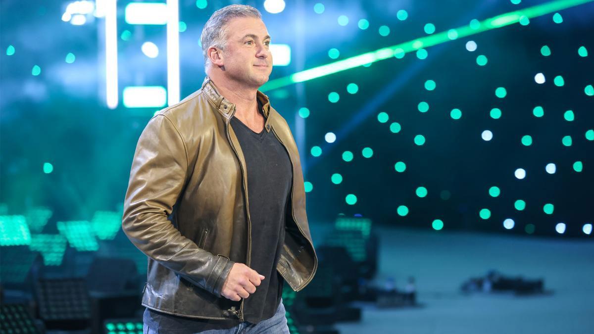 Shane McMahon de retour à WWE RAW pour annoncer le main event d'Elimination Chamber - Catch-Newz